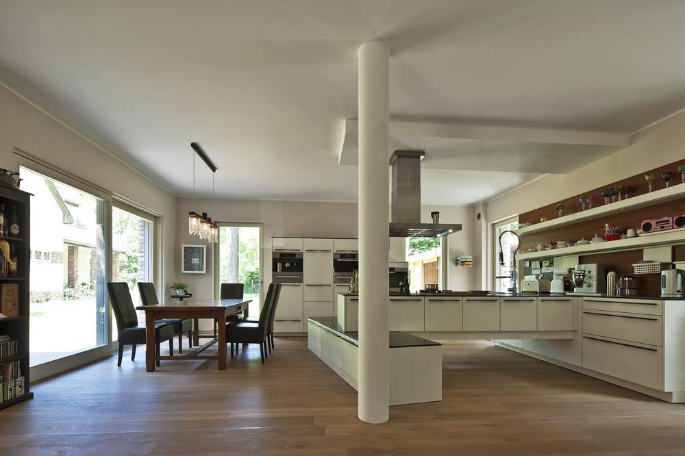 zukunft altbau alte h user neu erleben wohngeb ude mit einem klaren plan sanieren presse. Black Bedroom Furniture Sets. Home Design Ideas